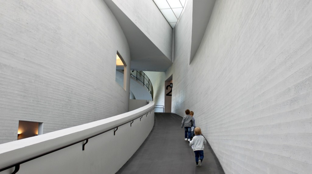 Taidemuseoaamu Kiasmassa
