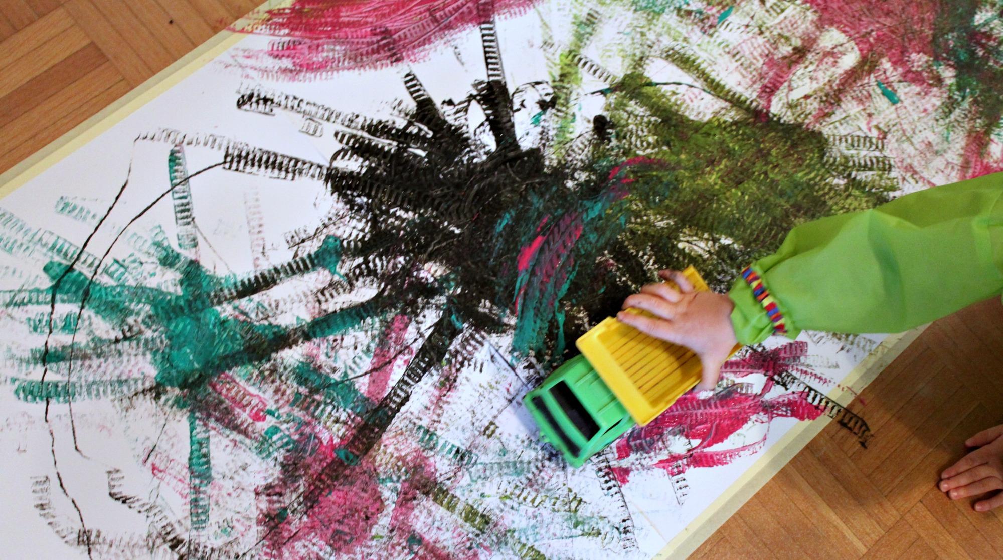 Leikkiautot maalareina
