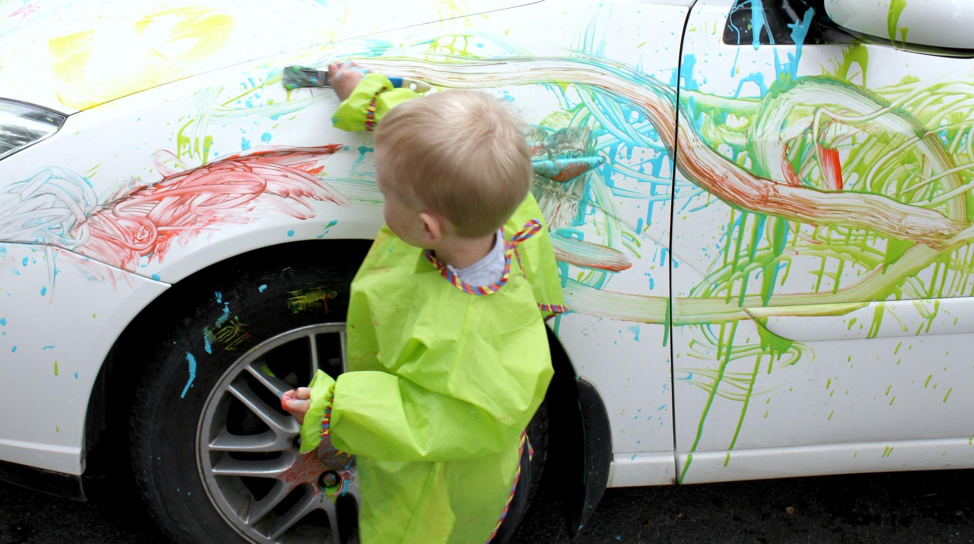 Auton maalausta