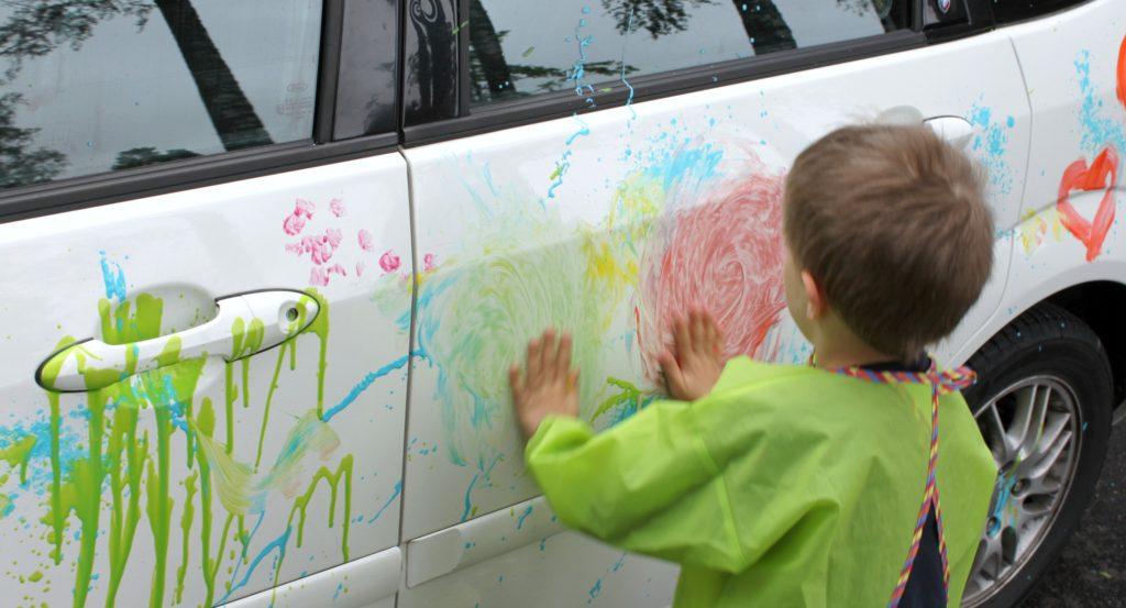 Huippuhauskaa auton maalausta