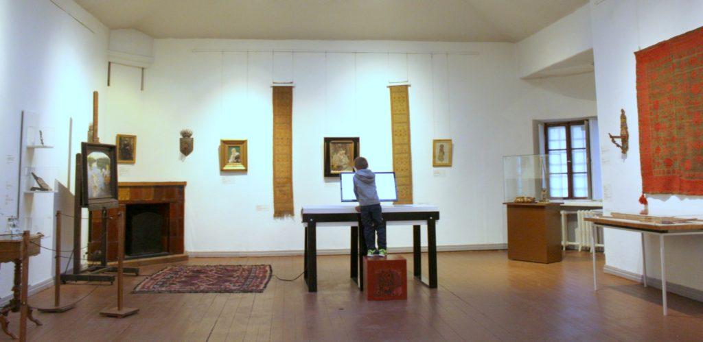 Taideavain ja Madonna Gallen-Kallelan Museossa