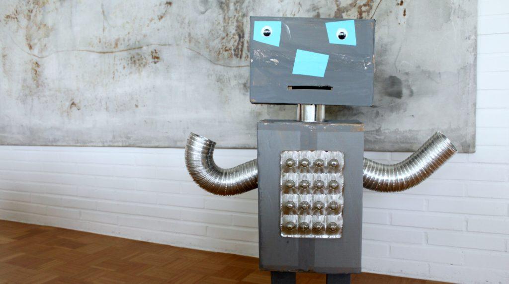 Miten pahvilaatikoista syntyy lapsen ikioma robotti