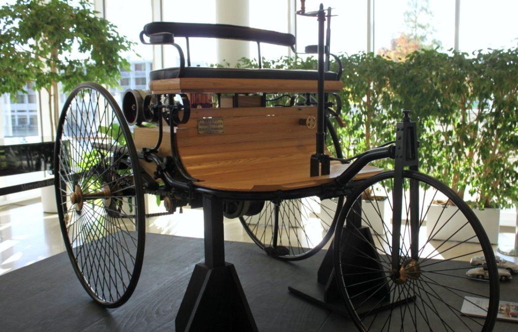 Kutitus ja maailman vanhin auto