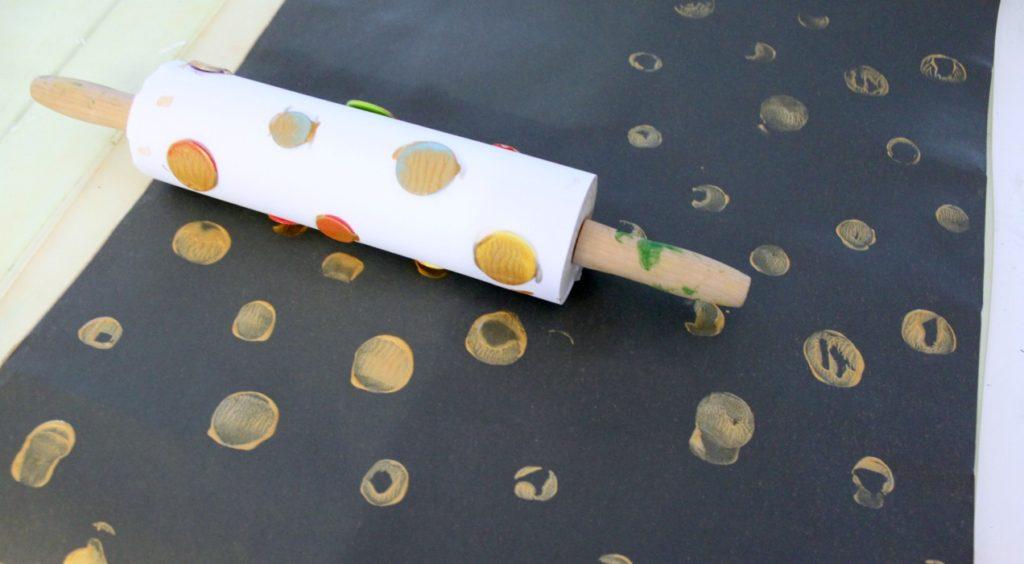 Itse painettu lahjapaperi