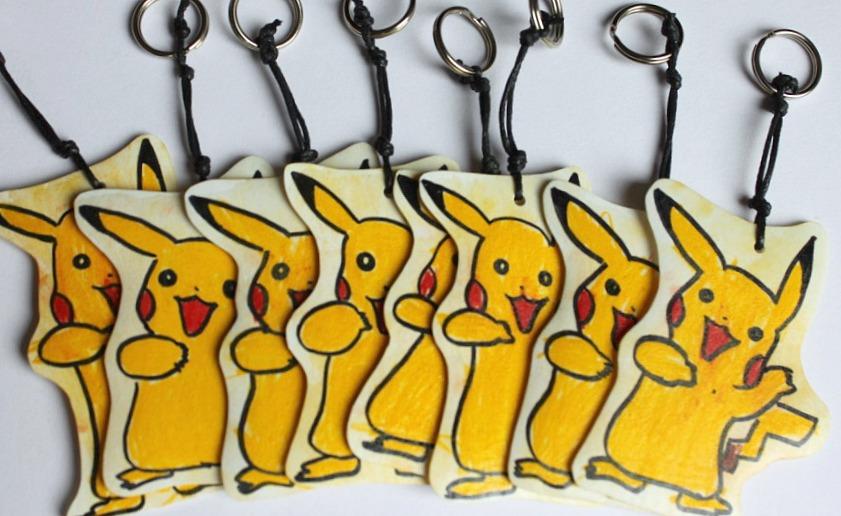 Pokemon-synttärit / Pikachu-avaimenperät