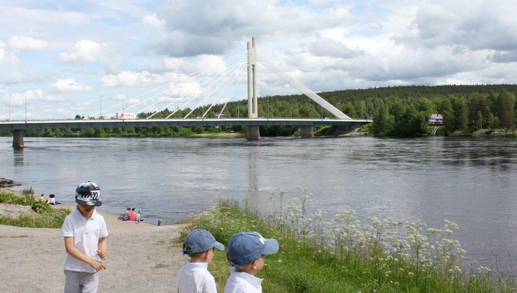 Jätkänkynttilä / riippusilta Rovaniemellä
