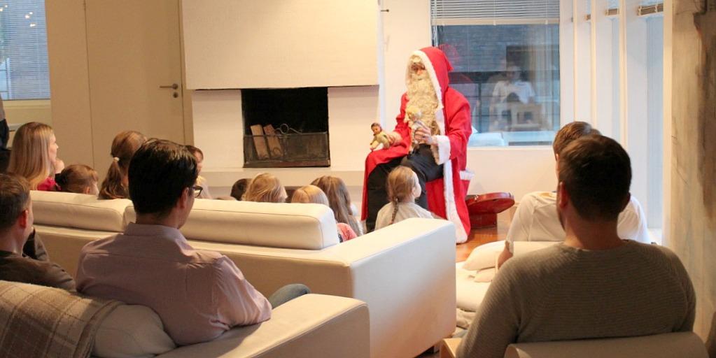Joulukauden avaus / teatteria omassa olohuoneessa