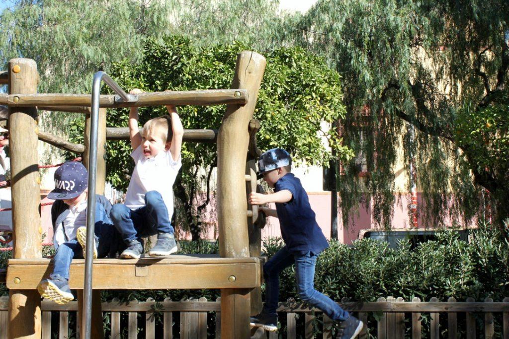 Barcelona / leikkipuisto Miro-museon lähettyvillä