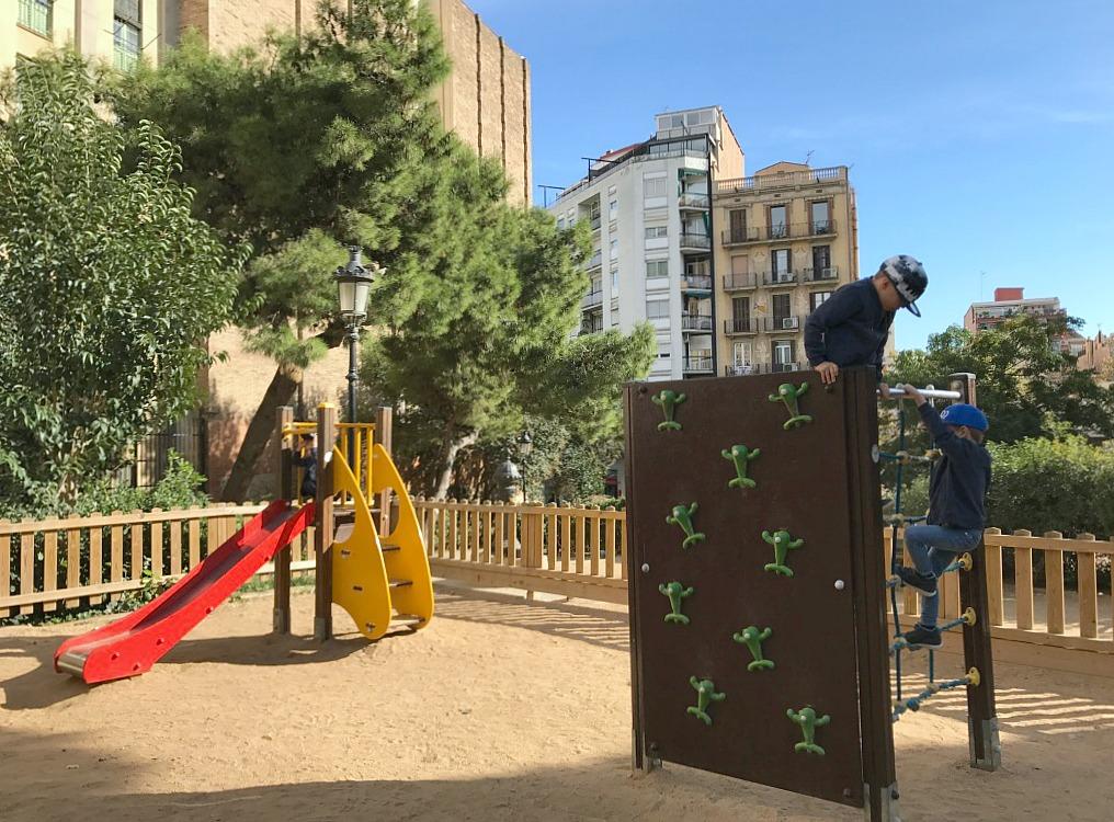 Leikkipuisto / Barcelona