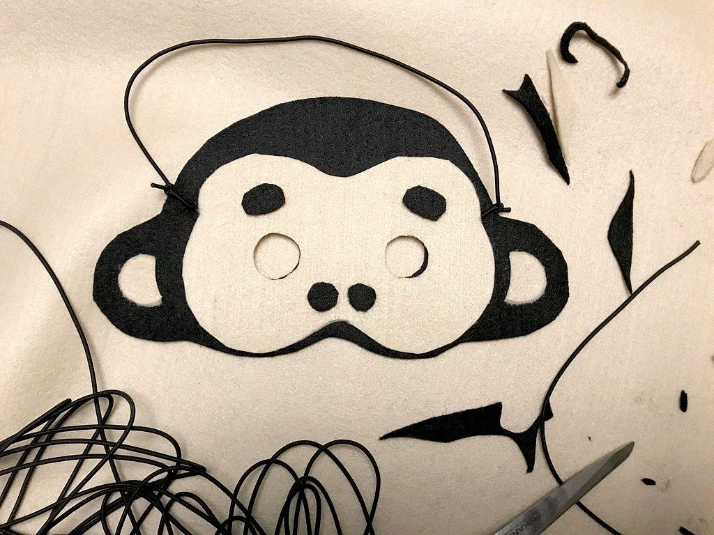 Viidakkosynttärit / apinanaamari huovasta