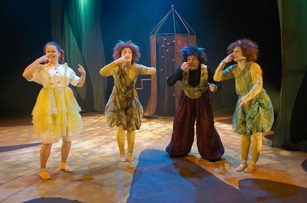 Tiitiäisen pippurimylly / Tanssiteatteri Raatikko