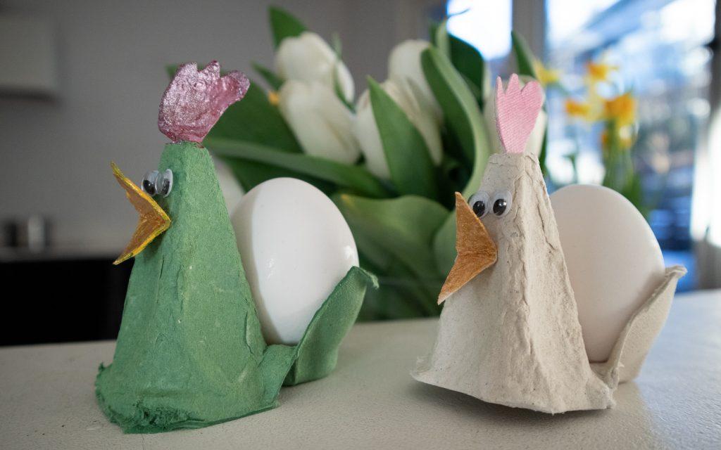 Pääsiäisaskartelu / munakuppikukot kananmunakennoista