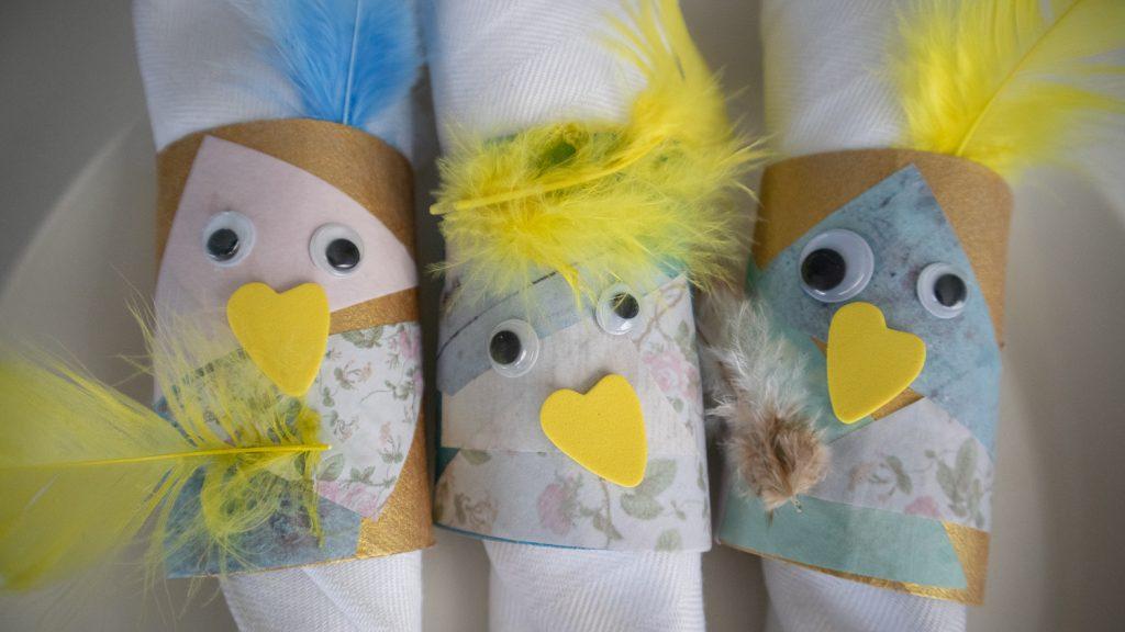 Pääsiäisaskartelua lasten kanssa / servettirenkaat talouspaperirullista